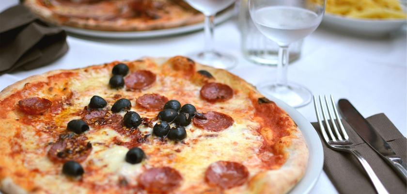 csm_STEINER_Hotel_Restaurant_Pizzeria_Pizza_Essen_Magiare_italy_66339e0f26